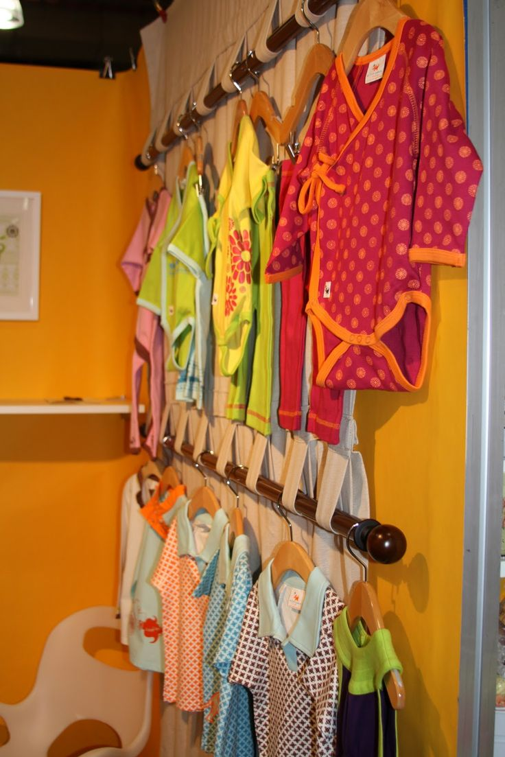 88 best images about craft stall ideas on pinterest for Curtain display ideas
