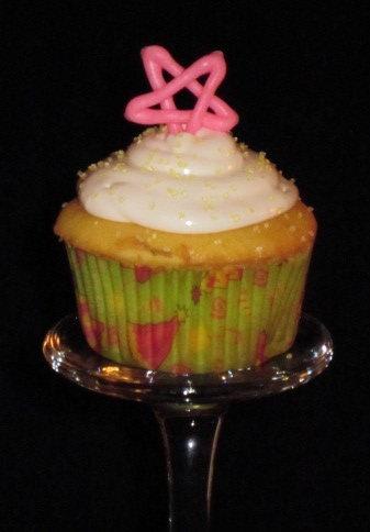 My Cupcake Addiction How To Ice A Cake Board