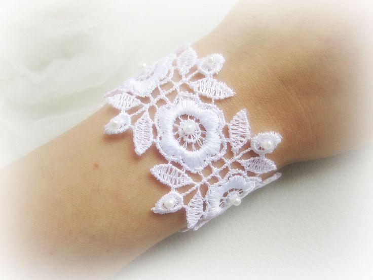Bracciale pizzo bianco, bracciale pizzo floreale, bracciale sposa, braccialetto stoffa, gioielli sposa, bracciale pizzo ricamato by MalinaCapricciosa on Etsy