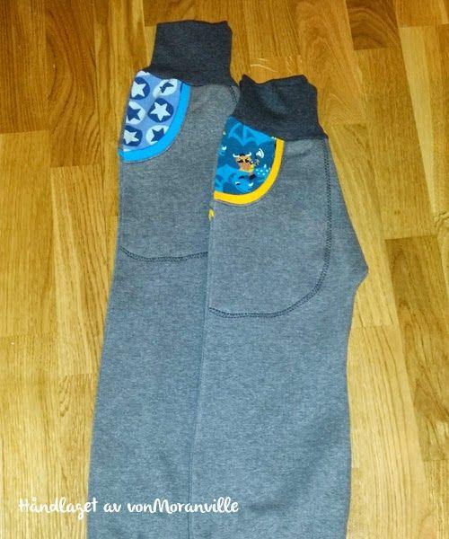 Bukse med lommer og bisebånd