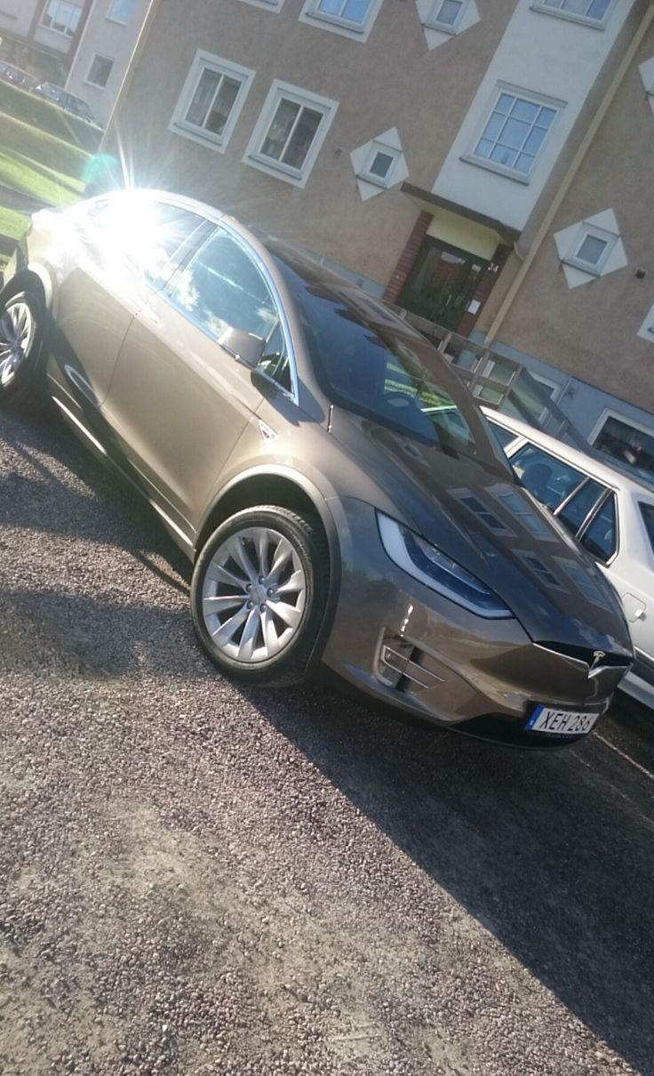 1000 Ideas About Tesla Motors On Pinterest Tesla Models Tesla Roadster And Tesla Model X
