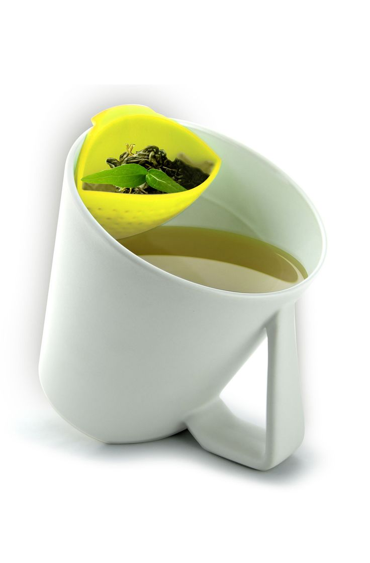 Tilt tea mug