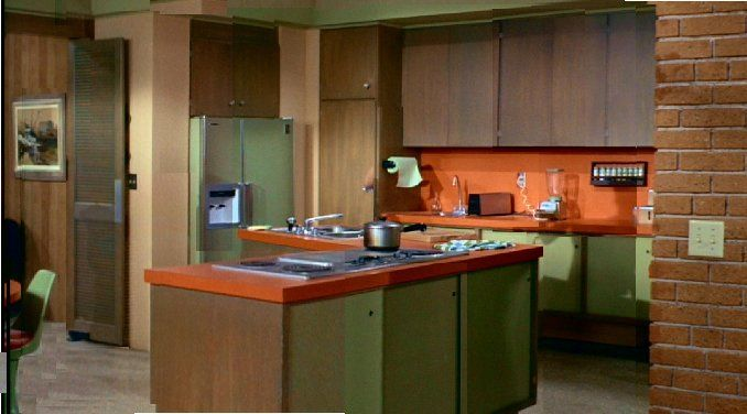 brady bunch kitchen brick | Middle Class Modern: House Stalking: The Brady Bunch House
