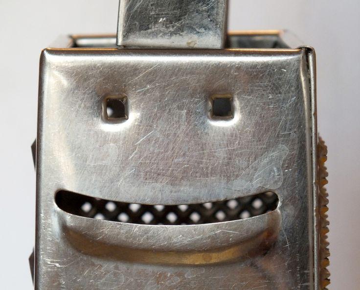 grater#36831 - the smiling and crazy face of a grater.  la sorridente e folle faccia di una grattugia. (CC) photo by prof.Bizzarro  https://www.flickr.com/photos/bazardelbizzarro/sets/ www.bazardelbizzarro.net