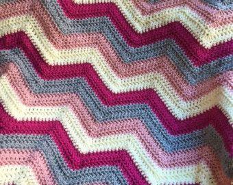 chevron zig zag ripple baby toddler blanket afghan wrap crochet knit wheelchair stripes VANNA WHITE yarn adult lap robe pink lamb girl new