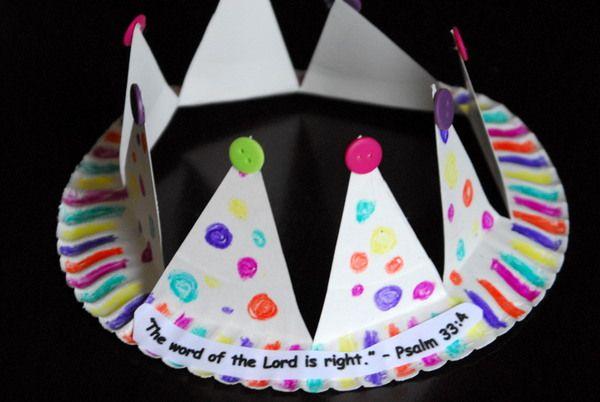 1-#paper plate crown #cubbies bear hug 10 #AWANA crafts-016