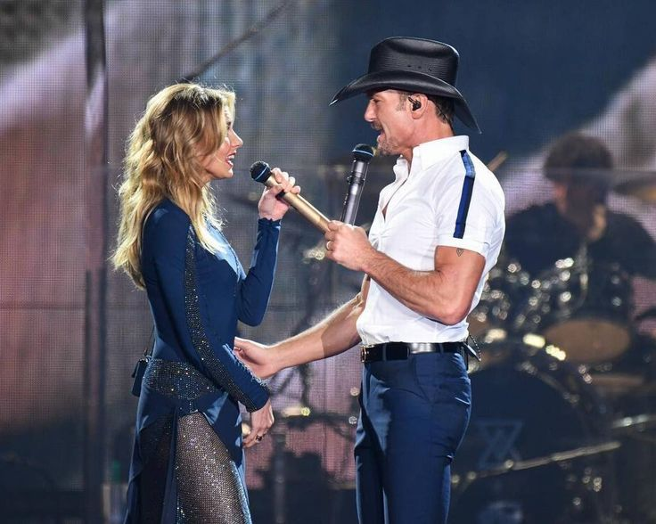 Faith Hill and husband Tim McGraw perform at Intrust Bank Arena on Thursday.