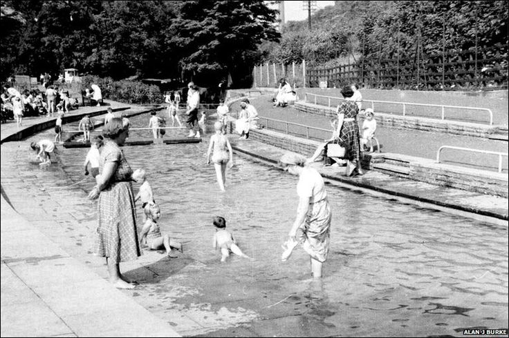 An archive photograph of Millhouses Park paddling pool in 1958, Sheffield