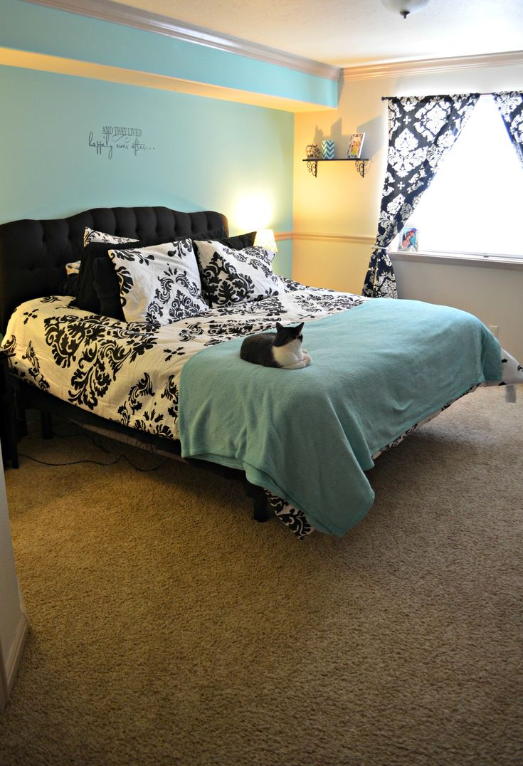tiffany blue walls and black and white damask decor - Damask Bedroom Ideas