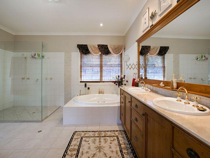 Bathroom - Coreen Manor Mount Samson