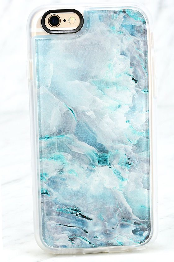 The Casetify Teal Onyx Marble Blue iPhone 6 and 6s Case knows how to bring your favorite prints to your device! This opaque plastic case has a slim profile, a blue marbled design, and access to all ports. Interchangeable back plate. Fits iPhone 6 and 6s.