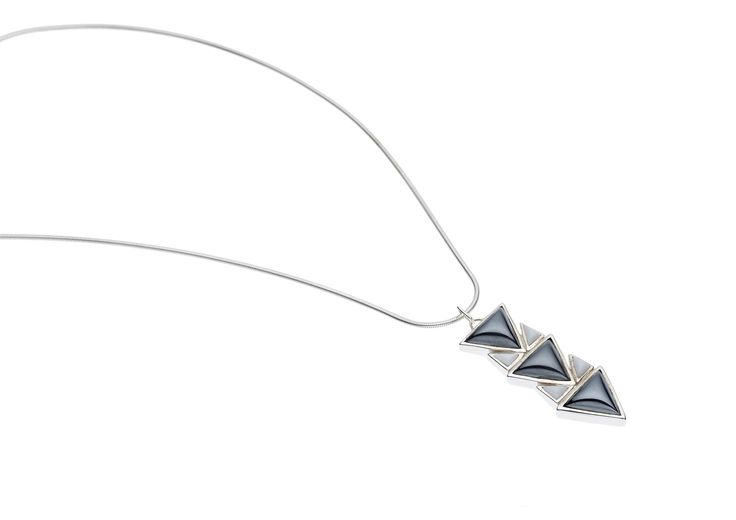 PUSHMATAAHA // SPEARHEAD PENDANT in Hematite and White Agate with 925 Sterling Silver