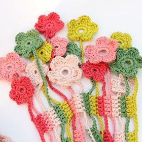 Een tijdje terug waren we in de Weerribben bij het Textielfestival. Bij één van de kramen zagen we leuke sjaaltjes hangen. Mijn dochter vond...