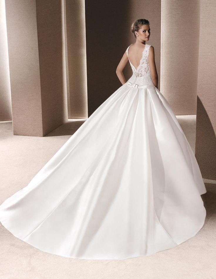 ROSALIA - Princess wedding dress, with long train | La Sposa