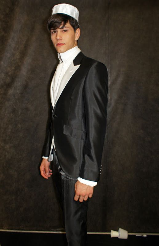 Simone Nobili backstage @ Carlo Pignatelli Spring/Summer 2013 Milan Fashion Week (June 23, 2012 20:30)