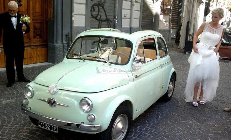 Auto d'epoca con colori pastello per una sposa primaverile http://www.nozzemeravigliose.it/matrimonio/autonoleggio/napoli/autonoleggio-special-rent/26