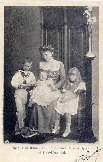 Kronprinzessin Marie von Rumänien mit Carol, Elisabeth und Marie