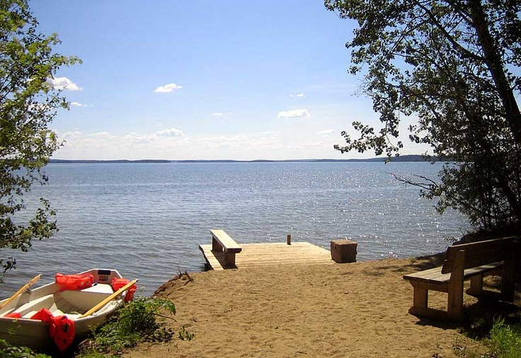 How nice it would be to sunbath on this dock!   #nature #finland #beach #harmony #lakeside  #summer #barbeque #travel #vacation #family #peace #safety #boat  #sunbath #dock #aurinkoranta