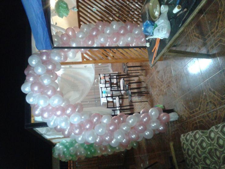 Arco globos rosado y blanco