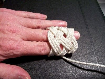 How to tie a 5 Strand Turk's Head Knot