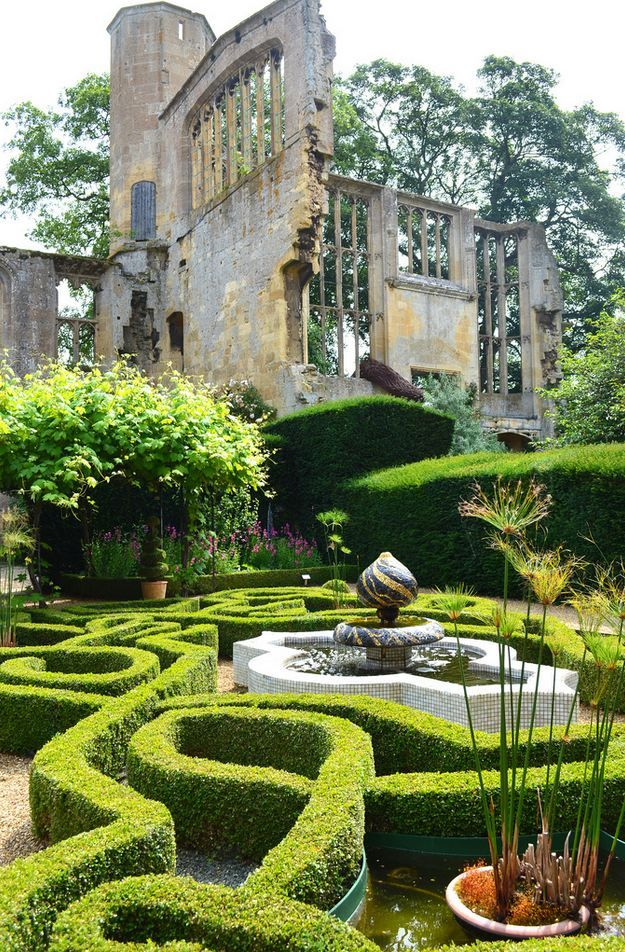 """""""Sudeley Castle Gardens, Gloucestershire / England (by Annie Williams)."""""""