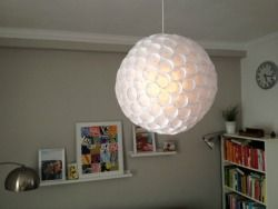DIY: Lamp made of plastic cups