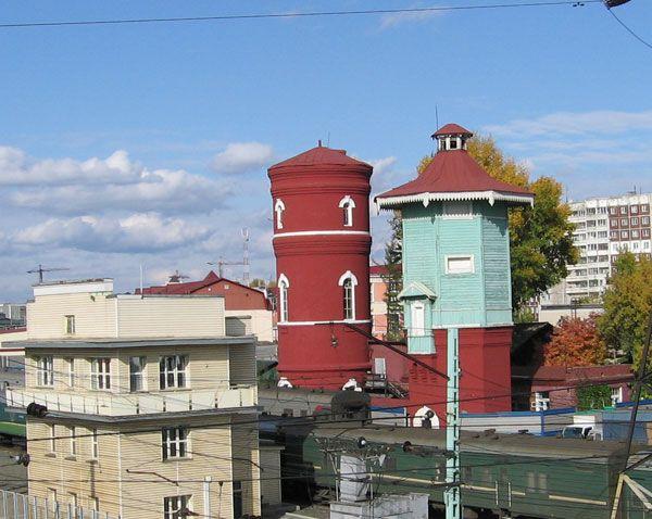 Водонапорные «Башни-близнецы» на территории вокзала Новосибирск-Главный
