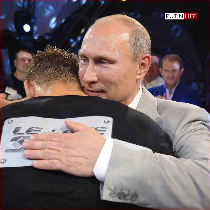 """5,044 Me gusta, 29 comentarios - В.В. Путин (@putin.life) en Instagram: """"Владимир #Путин направил приветствие организаторам, участникам и гостям чемпионата мира по самбо…"""""""