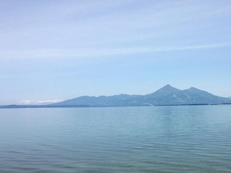 猪苗代湖(目の前には磐梯山) - 2012.06.02
