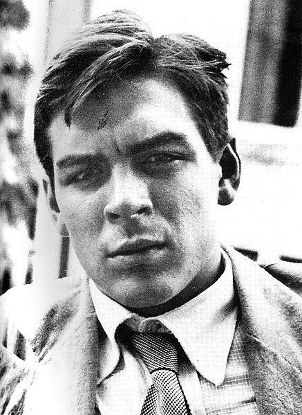 Che Guevera, aged 22, in 1951.