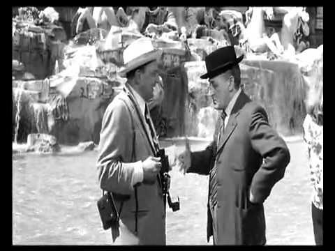 Toto e la Fontana di Trevi dal film Totòtruffa 62 - YouTube