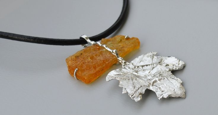 Jewellery Necklace Copal and a mixture of metals