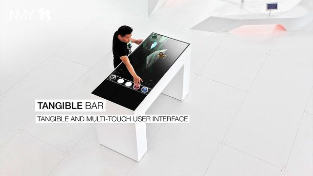 Mit physischen Objekten digitale Welten steuern. NMY entwickelt das interaktive Exponat TANGIBLE BAR fr Messen, POS und Showrooms.