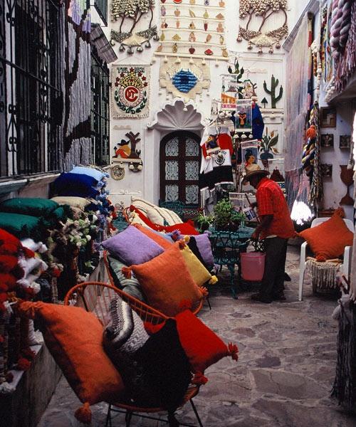 Queretaro street scene