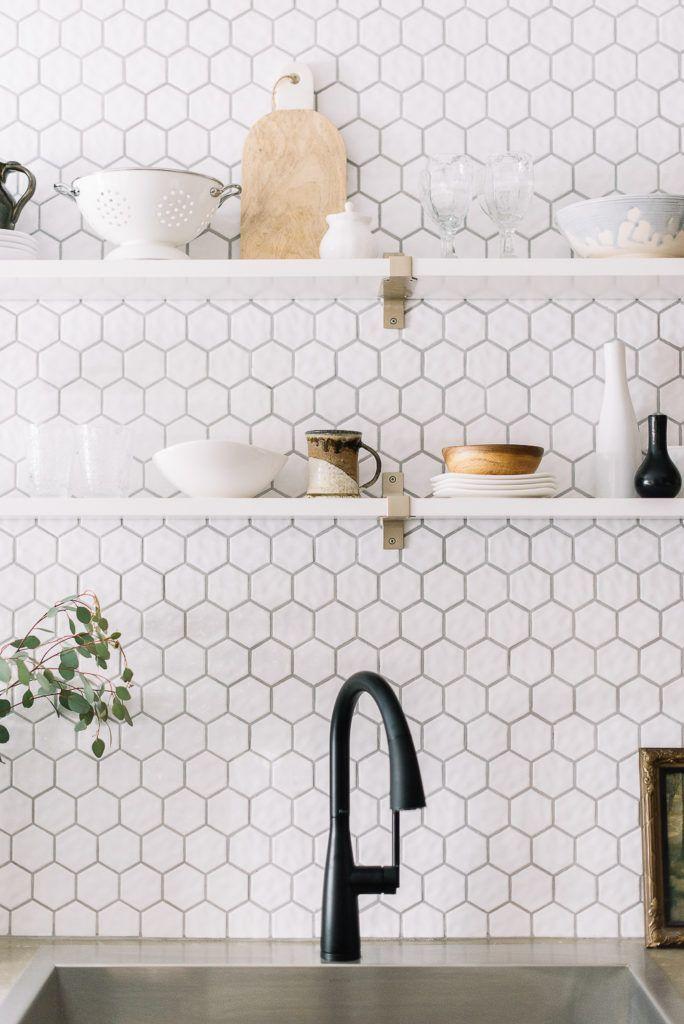 Download Wallpaper Kitchen White Honeycomb Backsplash