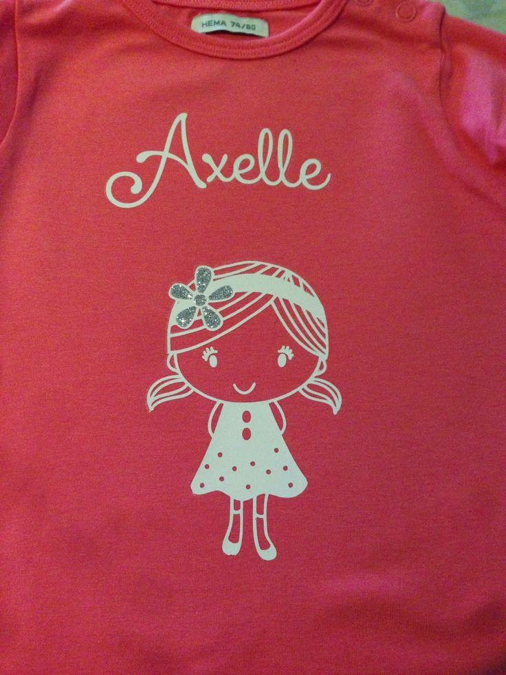 Babyborrelcadeautjes voor Axelle ; meisje op t-shirt geflocked , knisper olifant naaien