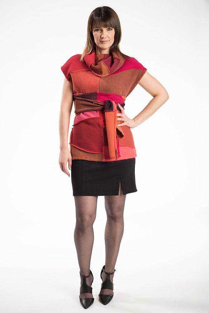 Le débardeur Ébène est une pièce unique à la coupe ample. La ceinture vous permettra de délimiter votre taille et d'avantager votre silhouette. Vous pouvez même la porter comme foulard.