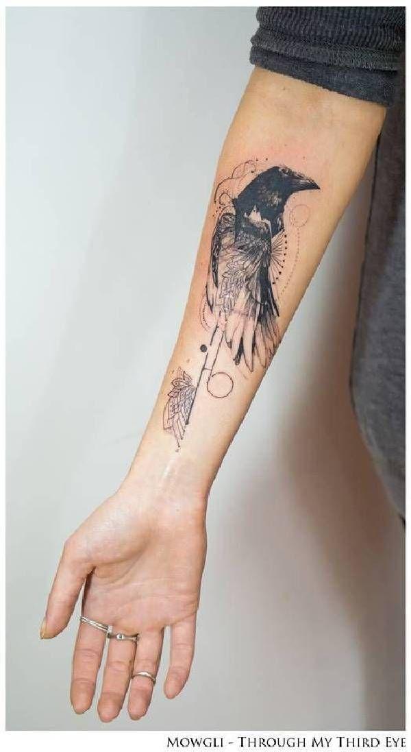 die besten 25 raben tattoo ideen auf pinterest kr hen tattoos kr he und rabe. Black Bedroom Furniture Sets. Home Design Ideas