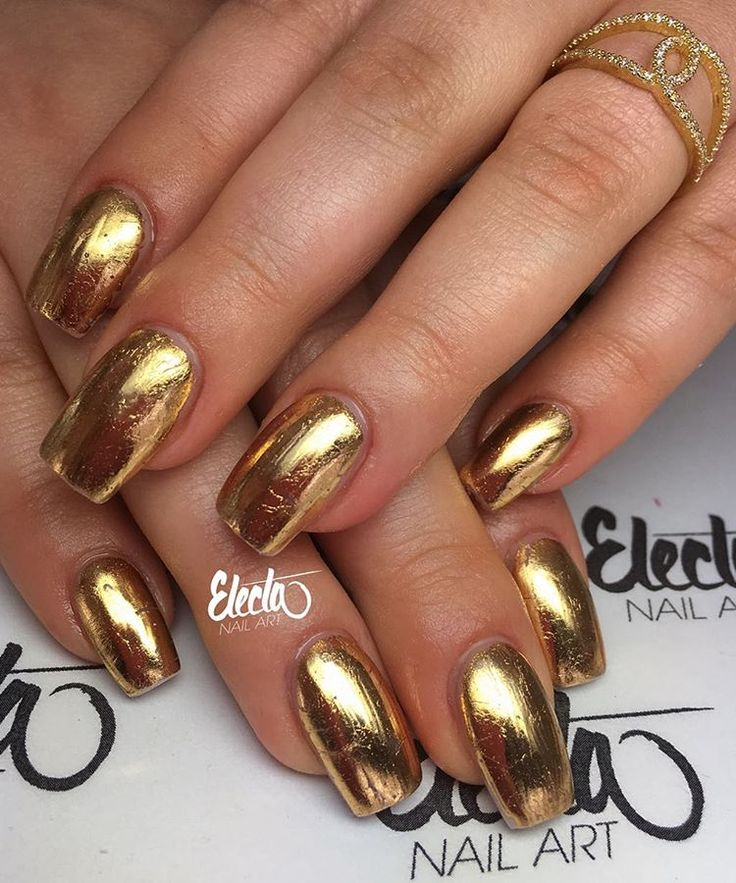 Pimperella mani: Gold nails #nail #nailart