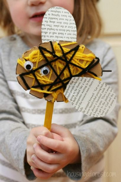 Yarn Wrapped Bee Craft - Simple Bug Crafts for Kids from Housing a Forest #educational #resources for #preschool