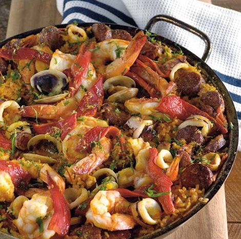 This seafood-filled Spanish dish is perfect for your next family fiesta.Thanks to eatlove.com.au, we're sharing a recipe by My Kitchen Rules co-host Pete Evans