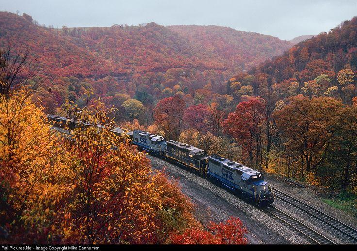 RailPictures.Net Photo: CSXT 6814 CSX Transportation (CSXT) EMD GP40 at Mance, Pennsylvania by Mike Danneman