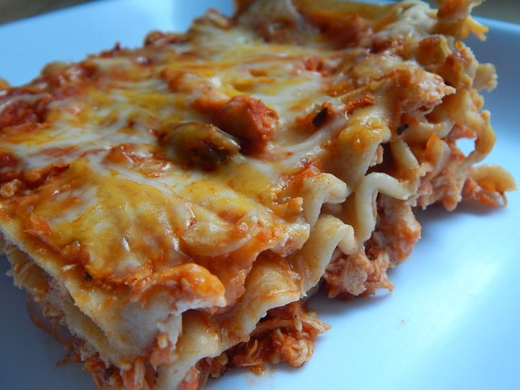 Buffalo chicken lasagna by drizzle me skinny