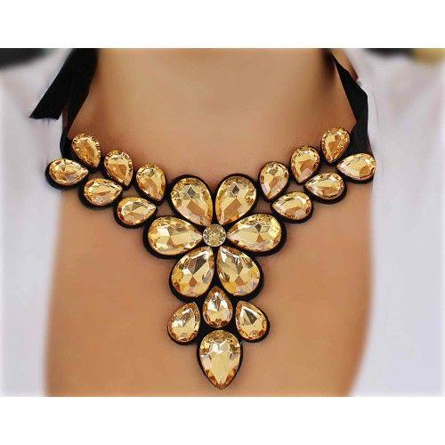 Náhrdelník Grandessa Gold | Womanology.sk #nahrdelnik #necklace #chokernecklace #necklaces #bijouterie #halskette #bijoux #schmuck #accessories #fashionjewelry #fashionjewellery #modeschmuck #accessories #doplnky #womanology