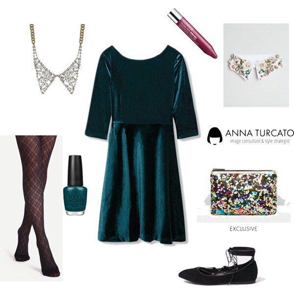 #Friday #look. Ehi ma è venerdì. Un bell'abito verde in velluto, abbinato ad un paio di scarpe da ballerina, ti farà sentire coccolata e chic. Vuoi un tocco di luce in più? opta per un colletto. A collana o applicato sulla maglia metterà in risalto il tuo volto. Che ne dici di #unlookalgiorno di oggi? Come sarà il tuo venerdì?  #outfitoftheday #green #velvet #style #fashionstyle #stylist #love #lookfortoday #look #lookoftheday #fashion #personalstyle #personalstylist #outfit