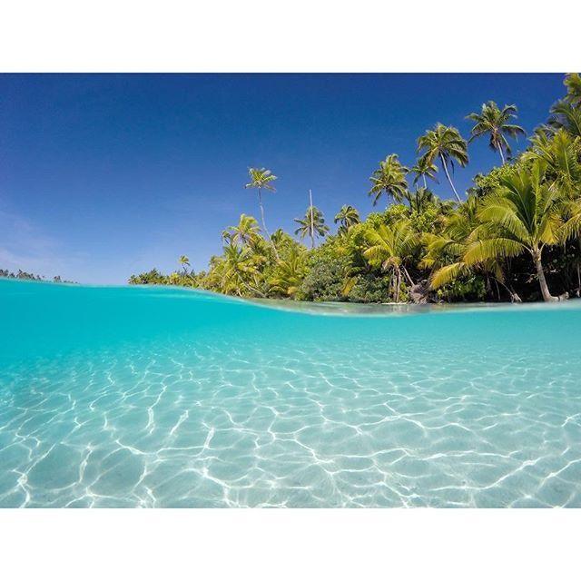 Do the electric blue waters of Aitutaki, Cook Islands tempt you? http://townske.com/guide/17196/aitutaki