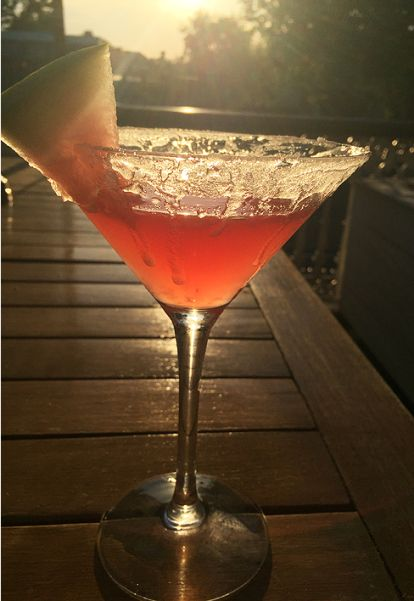 'Watermelon martini' with vodka, fresh watermelon and lime.