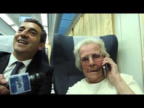 Cristina habla con Elba en el nuevo tren a Mar del Plata