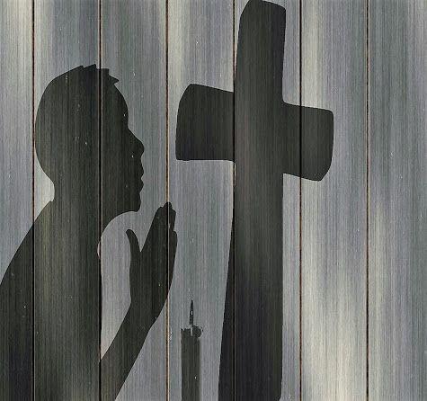 Faites en tout temps, par l'Esprit, toutes sortes de prières et de supplications.(-la Bible:Ephesiens 6.18) PRIER, POURQUOI ?https://plus.google.com/+ClaudineMichau45
