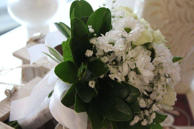#corflor #rosellinebianche #margheritebianche #comunioni #bouquetpercomunioni www.corflor.it